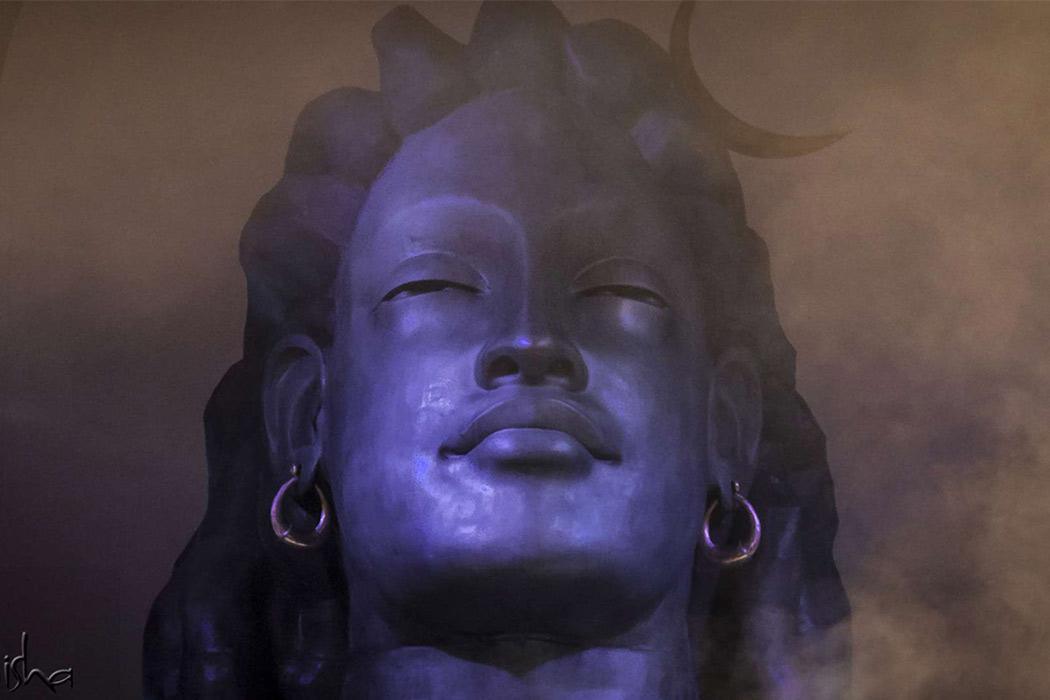 Adiyogi manitha sarithirathai matriya mugam