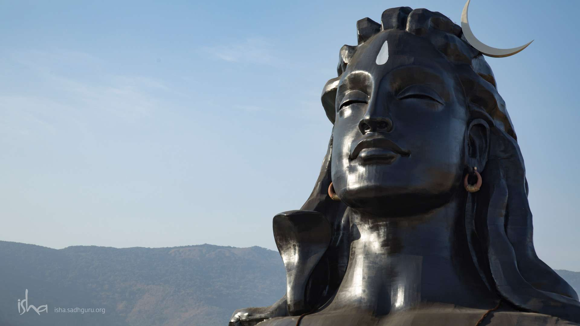 Mahashivratri Images - The Adiyogi with a clear sky HD