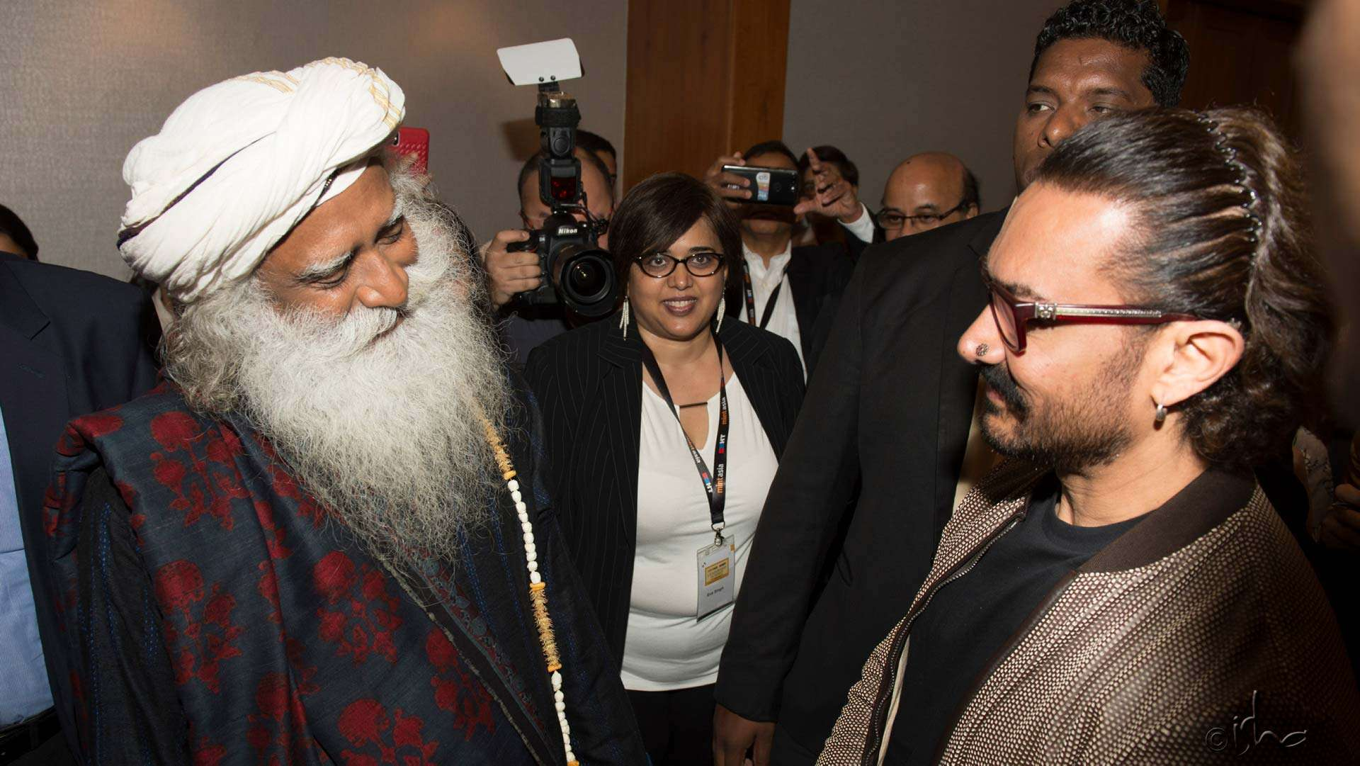 Sadhguru and Aamir Khan at the HT-MintAsia Leadership Summit in Singapore