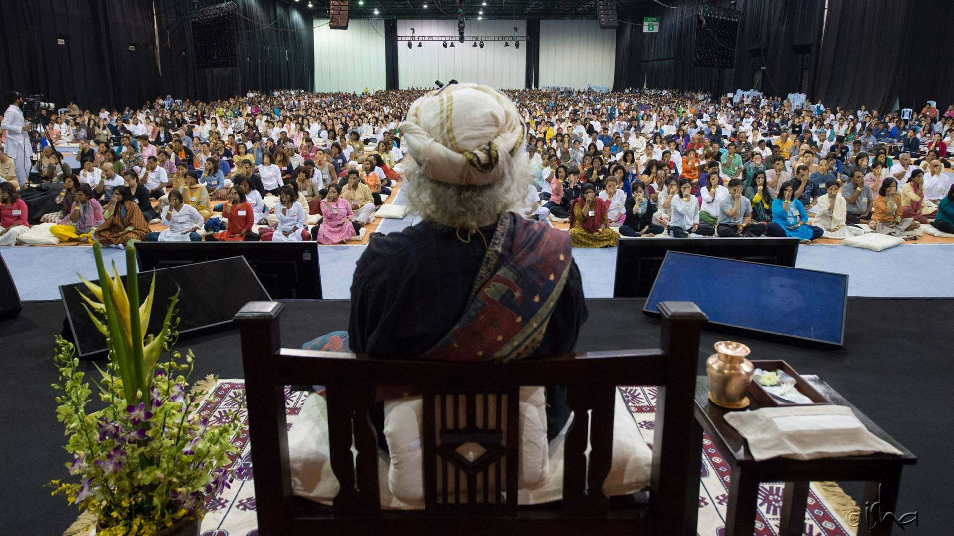 After six long years, Sadhguru conducts an Inner Engineering again in Malaysia, from 14–15 April