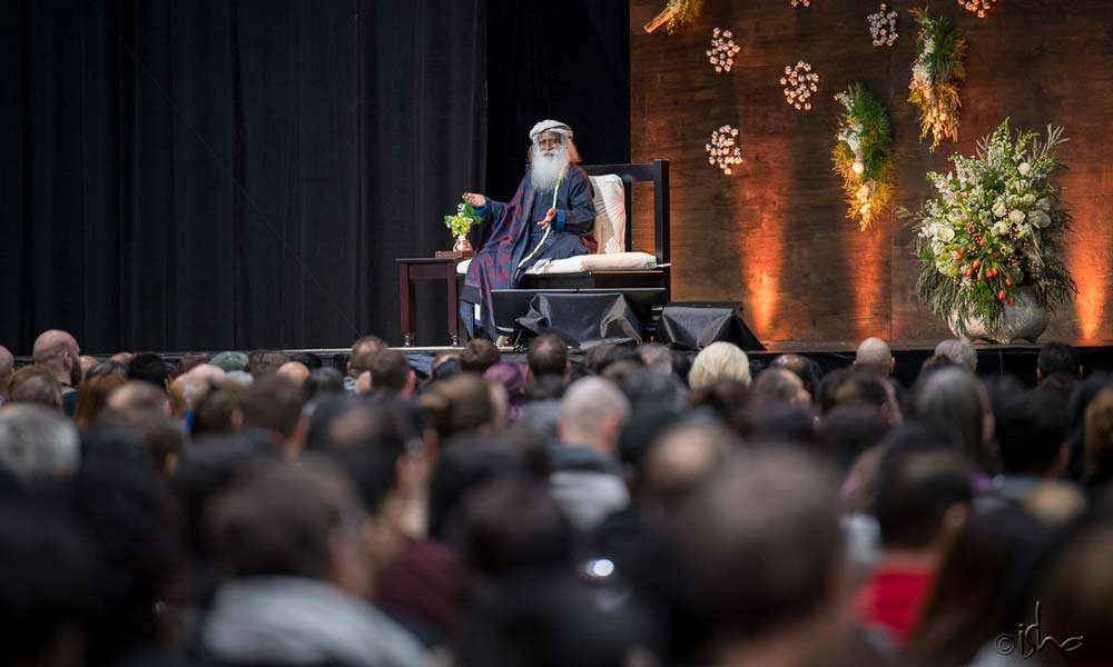 Sadhguru at the Mystic Eye event on 24 Mar 2018 in Toronto, Canada