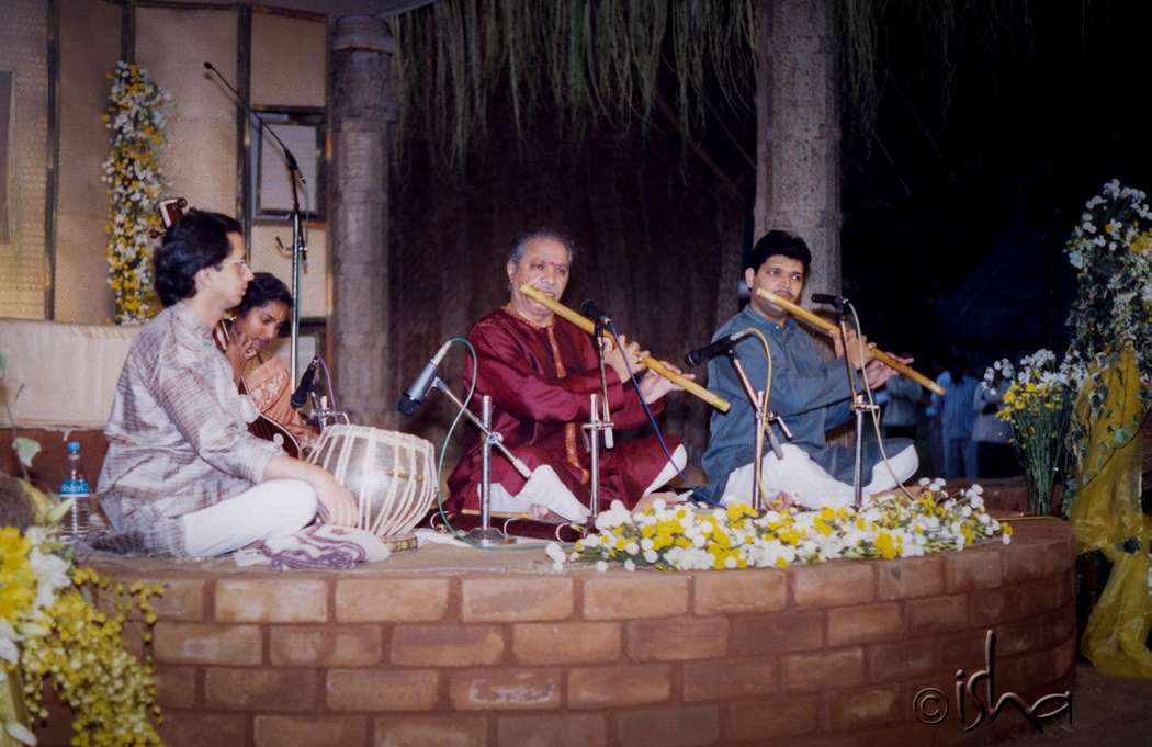 Concert by Pandit Hariprasad Chaurasia on the 1st anniversary of Dhyanalinga Consecration, 2000