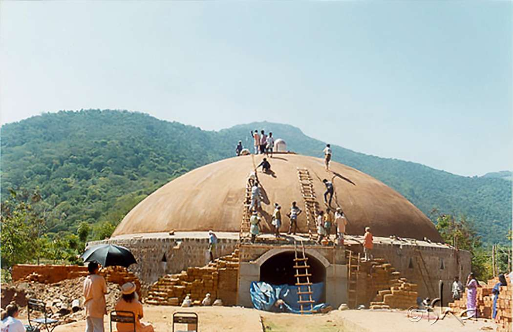 The Construction of Dhyanalinga, 1999