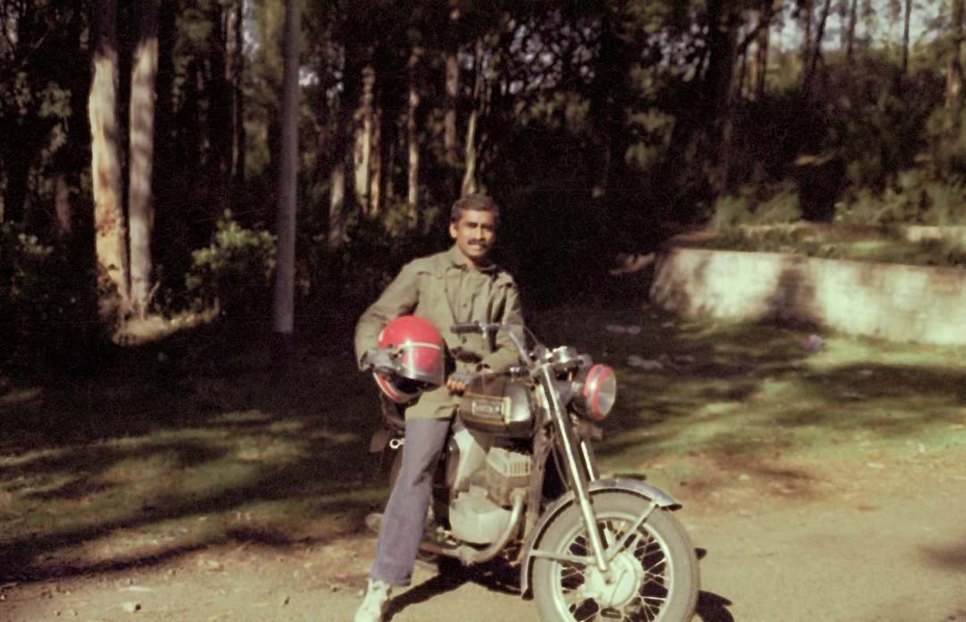 …and then. (Sadhguru with his Yezdi/Jawa Roadking)
