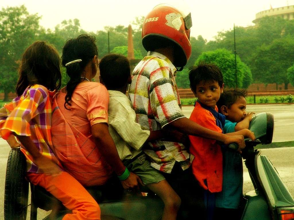 3-reasons-for-indias-water-crisis-family-of-6-in-two-wheeler