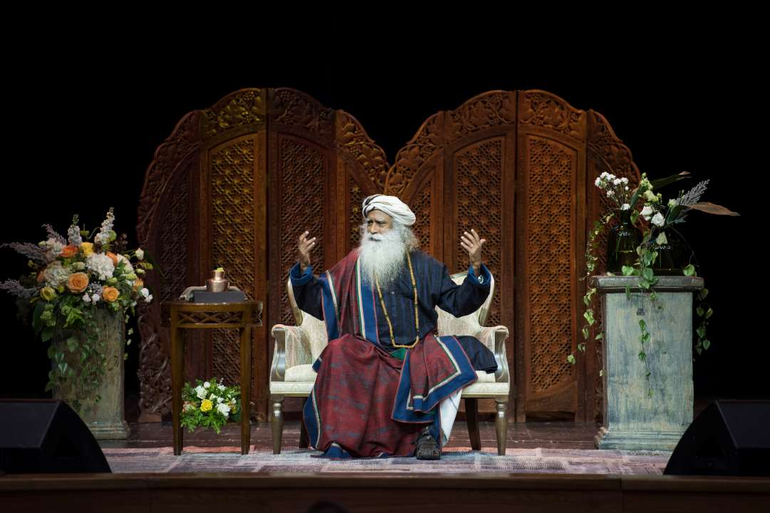 "Sadhguru speaks at the ""Wisdom, Meditation, Bliss"" event in Moscow, June 2018"