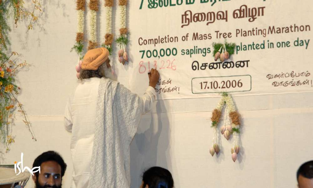 a-movement-that-started-with-a-seed-sadhguru-writing-7lakh-guinessrecord