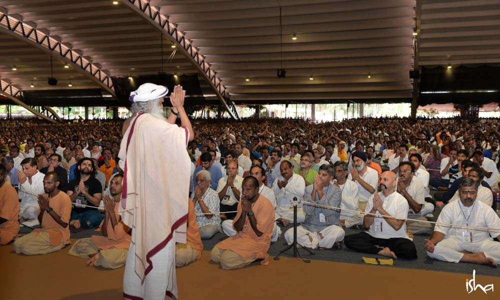 Sadhguru with devotees in the Adiyogi aalyam