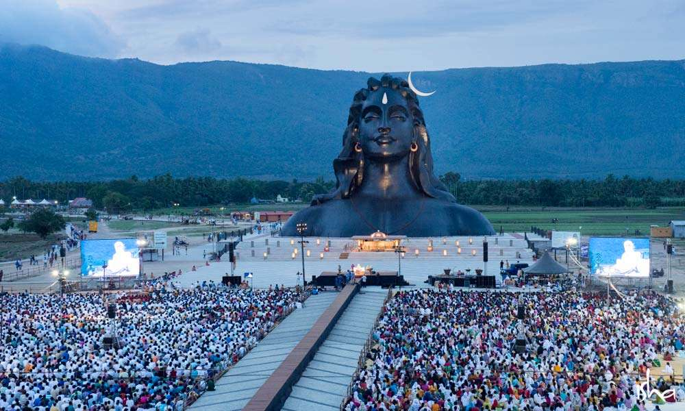 Thousands of Devotees in front of the Adiyogi