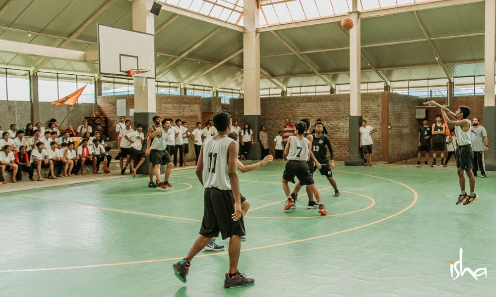 isha-blog-article-sports-day-isha-home-school-basketball-match-begins