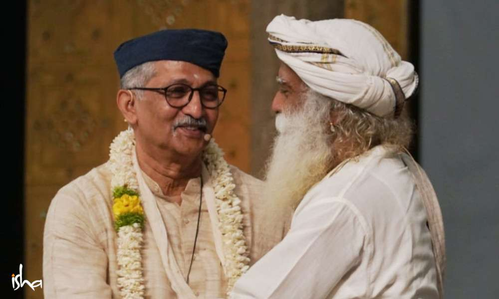 isha_blog_article_insight_2019_day1_Nagesh.B.S._with_Sadhguru
