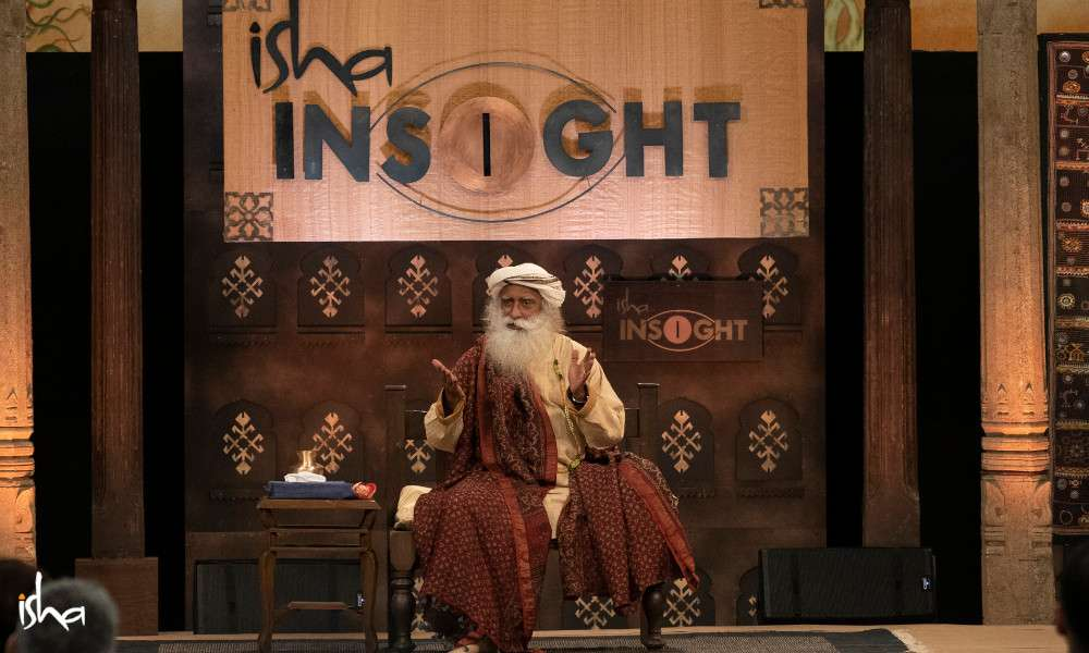 isha_blog_article_insight_2019_day3_Sadhguru_session