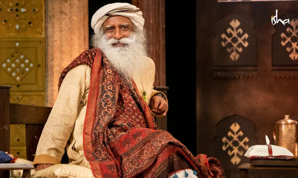 isha_blog_article_insight_2019_day3_Sadhguru_session_2