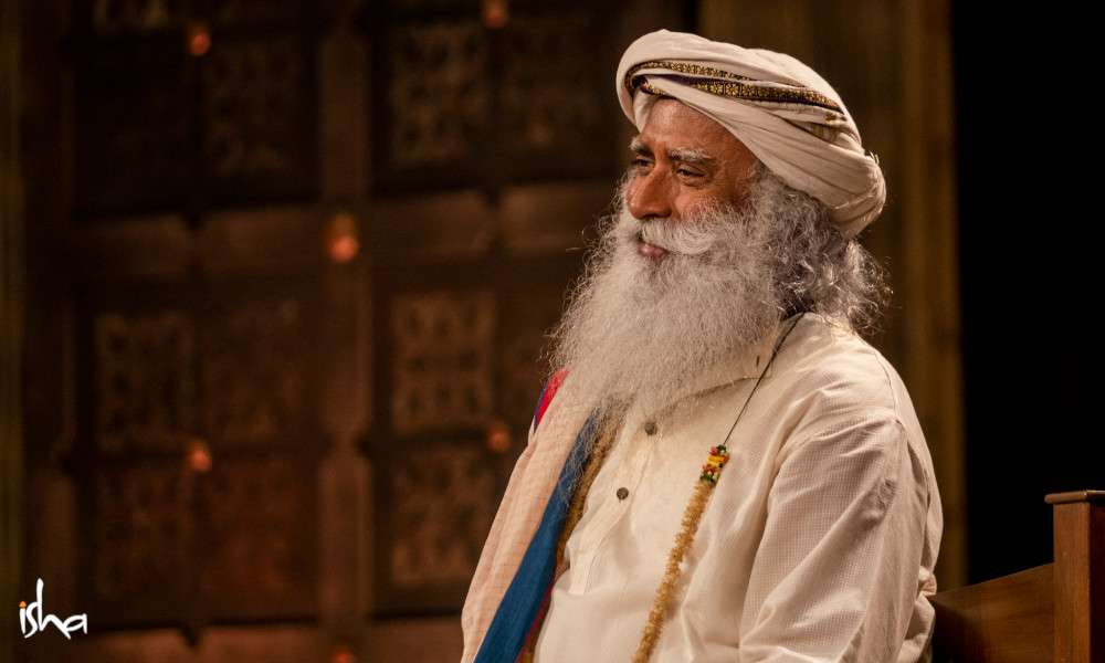 isha_blog_article_insight_2019_sadhguru_20191127_HKS_0482-e