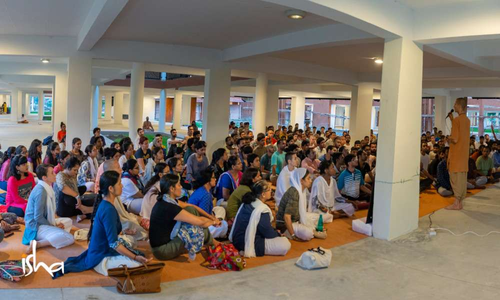 life-in-sadhanapada-from-home-to-ashram-orientation