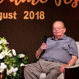 Ruskin Bond in conversation with Sadhguru at Dehradun Literature Festival