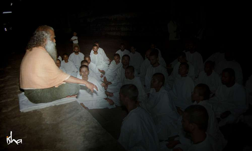 sadhguru-isha-blog-article-on-the-path-of-the-divine-sw-patanga-bramacharies-sathsang