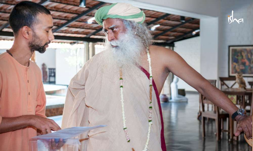 sadhguru-isha-blog-article-on-the-path-of-the-divine-sw-patanga-with-sadhguru