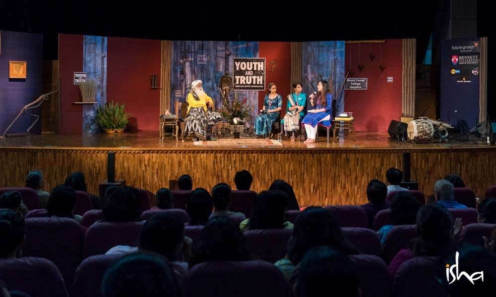 Sadhguru in conversation with students of Mount Carmel College, Bengaluru