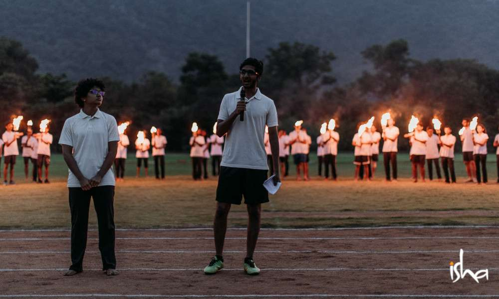sadhguru-isha-blog-isha-home-school-sports-day-closing-moments