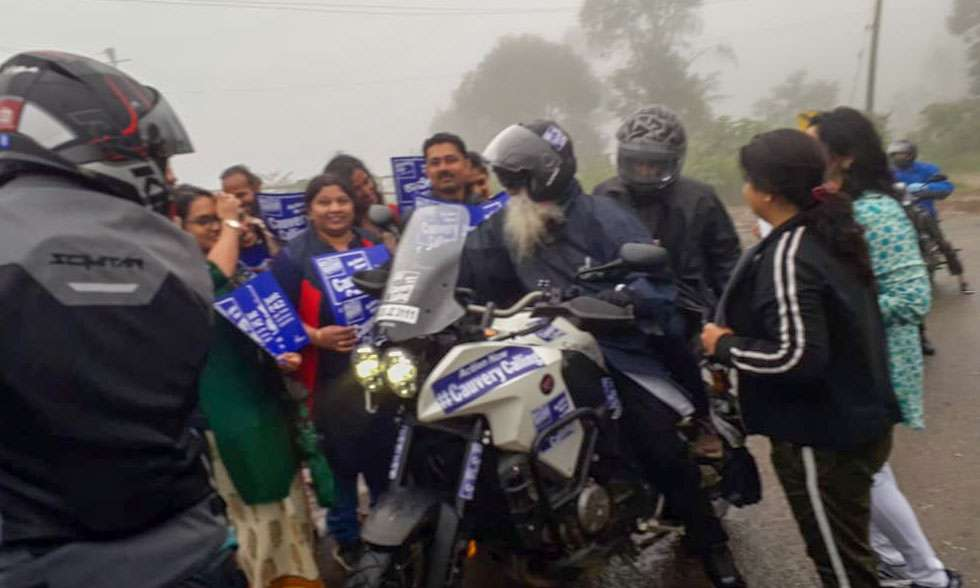 sadhguru-isha-cauvery-calling-diaries-of-motorcycles-and-a-mystic-day-one-sg-crowd