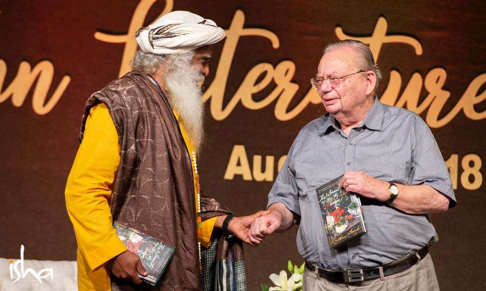 Sadhguru with Ruskin Bond at the Dehradun Literature Festival