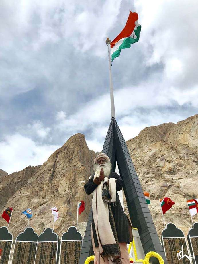 Sadhguru at the BSF Basecamp, Siachen