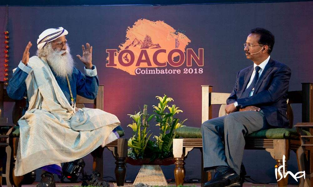 Dr. Rajasekaran in Conversation with Sadhguru at IOACON Conference | Full On, Everyone!