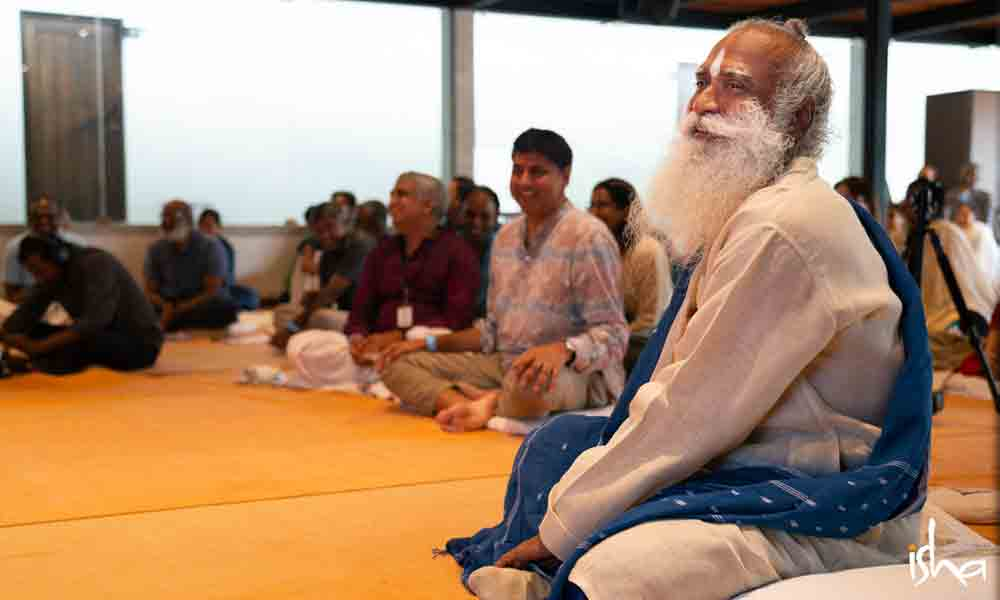 Sadhguru meeting Isha Regional Coordinators | Full On, Everyone!