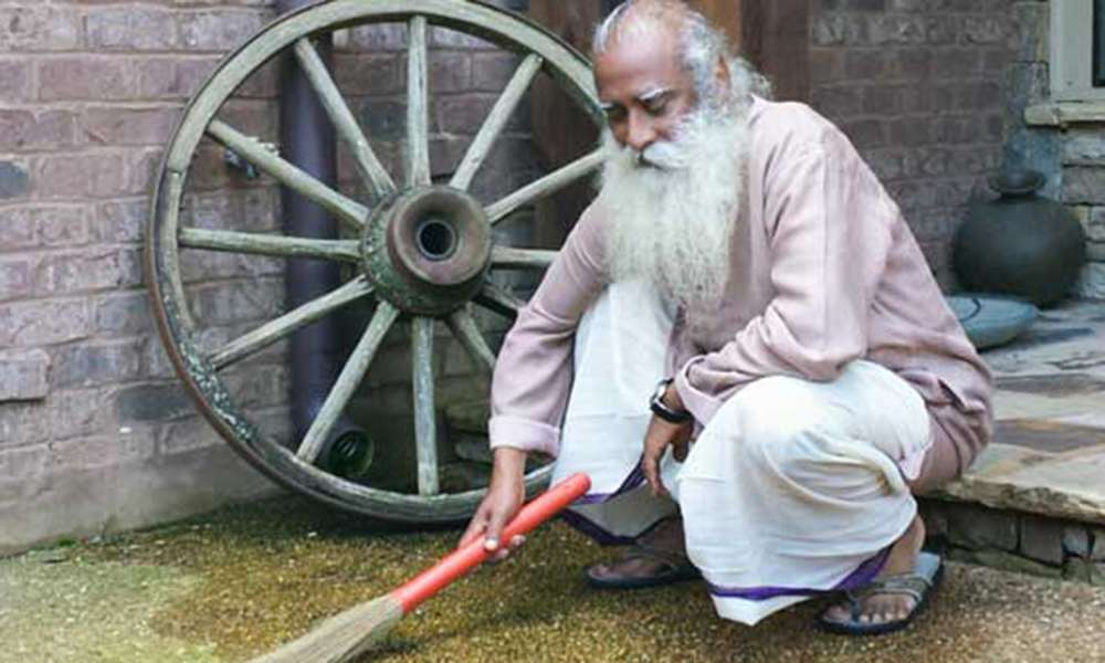 Sadhguru on the Clean India Campaign on NDTV