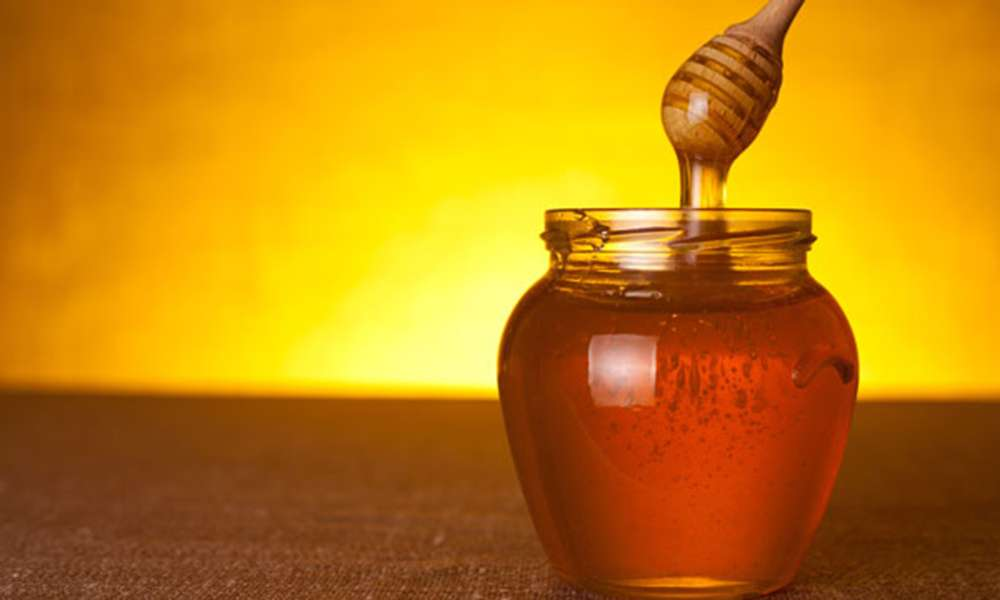 8 Health Benefits of Honey and its Various Uses