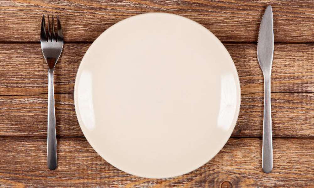 is-there-any-benefit-to-fasting-empyt-plate