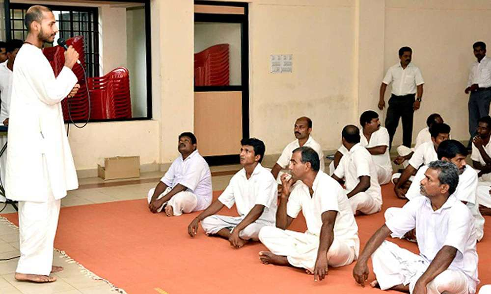 upa-yoga-session-in-trivandrum-central-jail