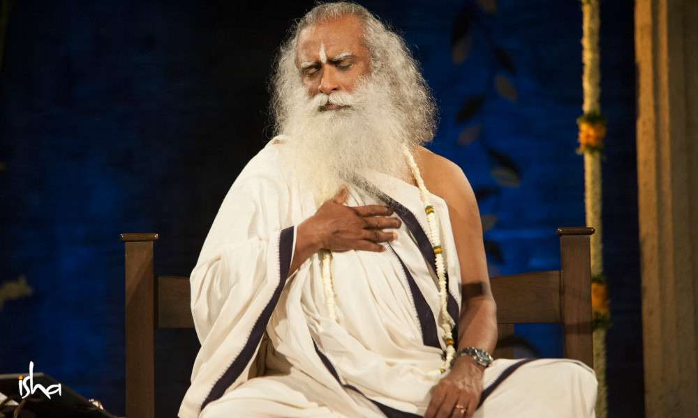 Isha Blog Article | 5 Ways to Stay in Touch with Sadhguru