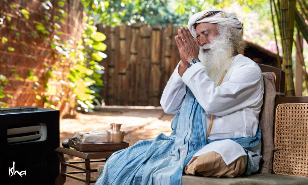 Isha Blog Article | 7 Ways from Sadhguru to Become a Part of the Solution!