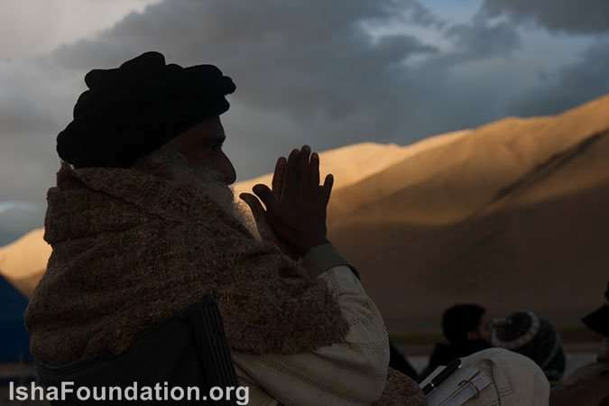 Sadhguru takes in the scenery