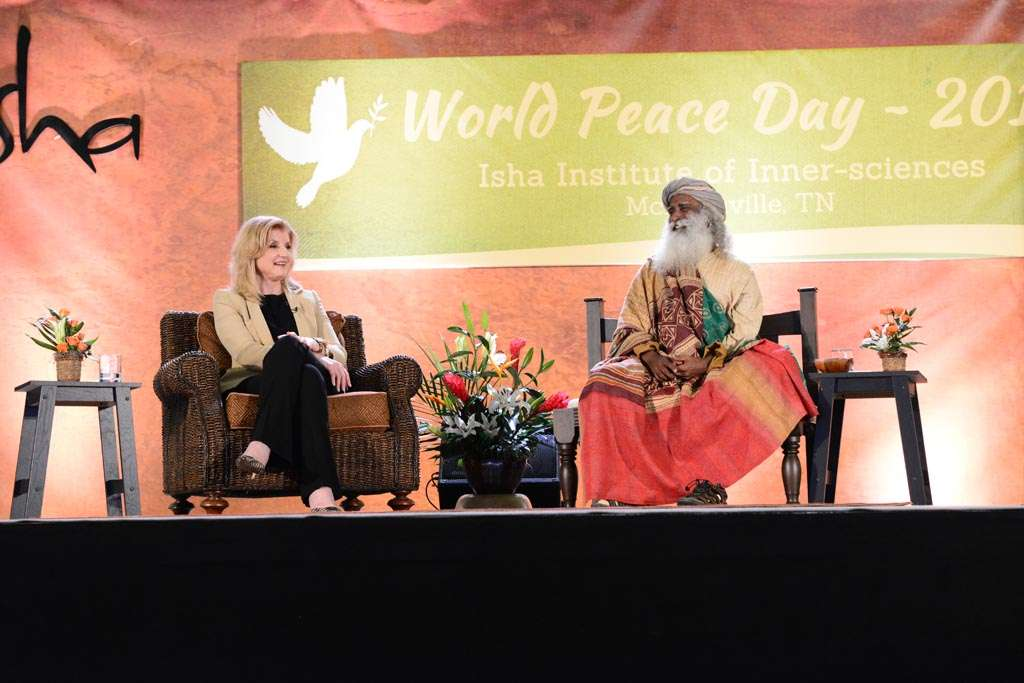 Sadhguru with Arianna Huffington