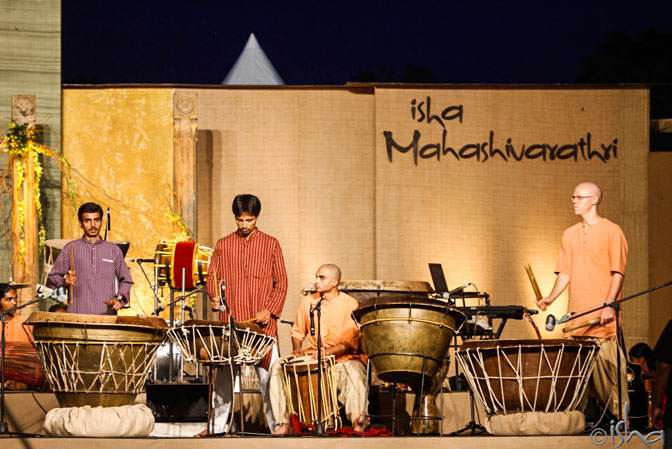 Sounds of Isha performing on Mahashivarathri 2014