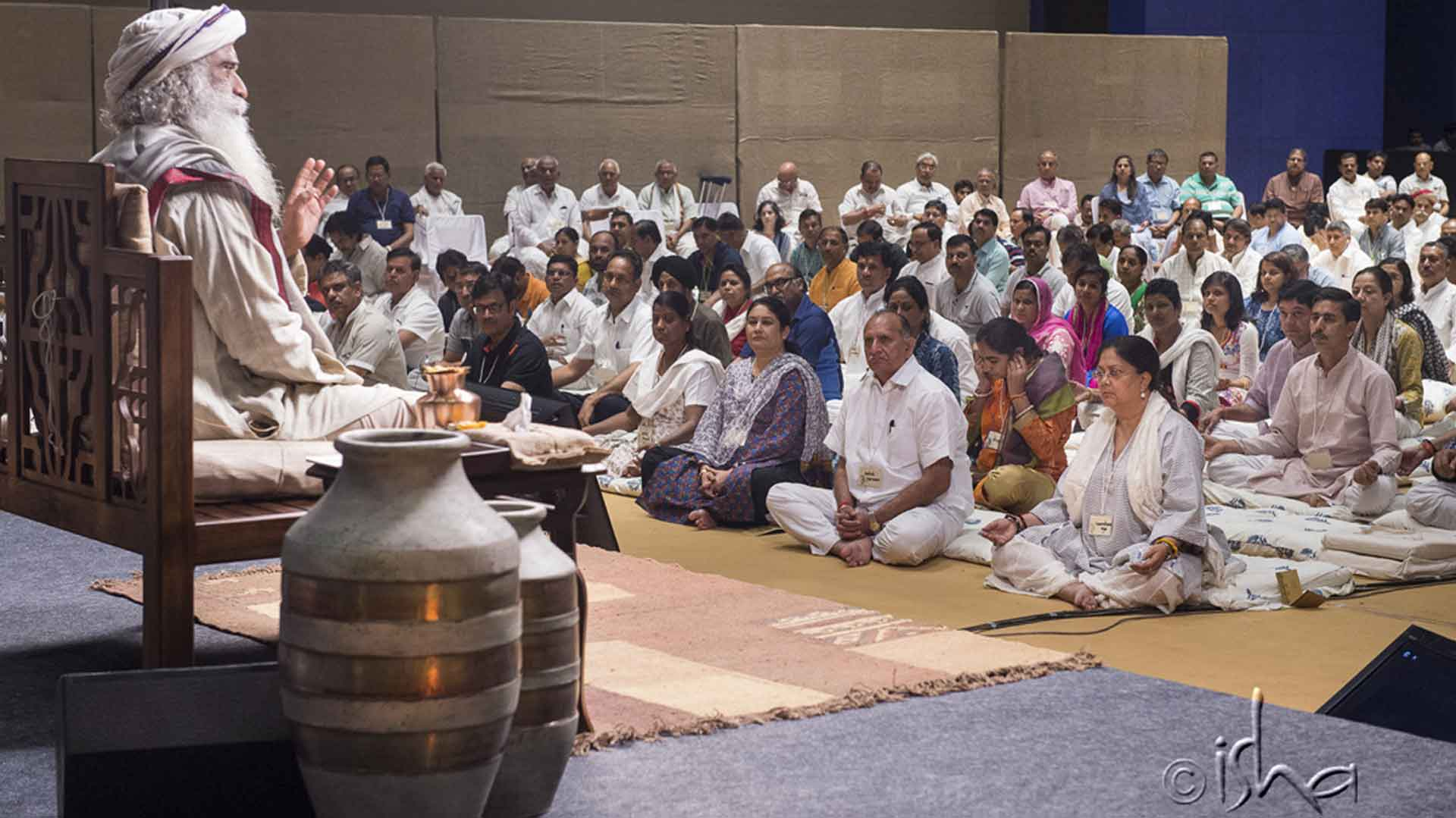 Sadhguru Conducts Inner Engineering for Rajasthan Government