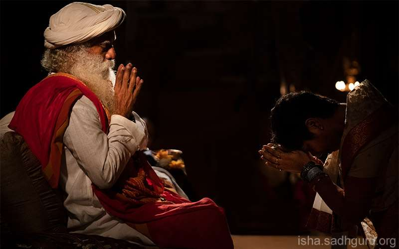 Quotes Inspirational - Sadhguru erases the misconception that one should develop gratitude.