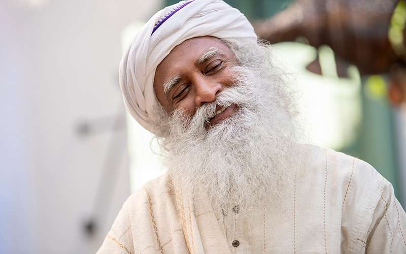 quotes deep - sadhguru shares about the depth of a smile and meditation