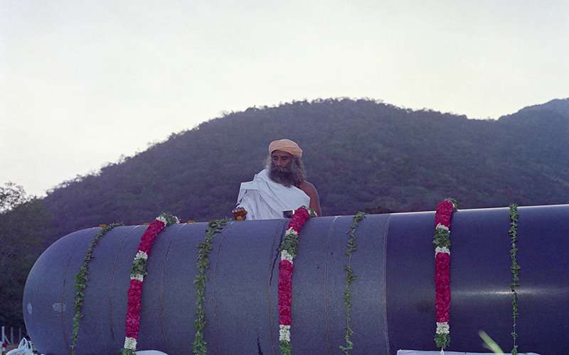 quotes deep - sadhguru will be offering a monthly full moon satsang