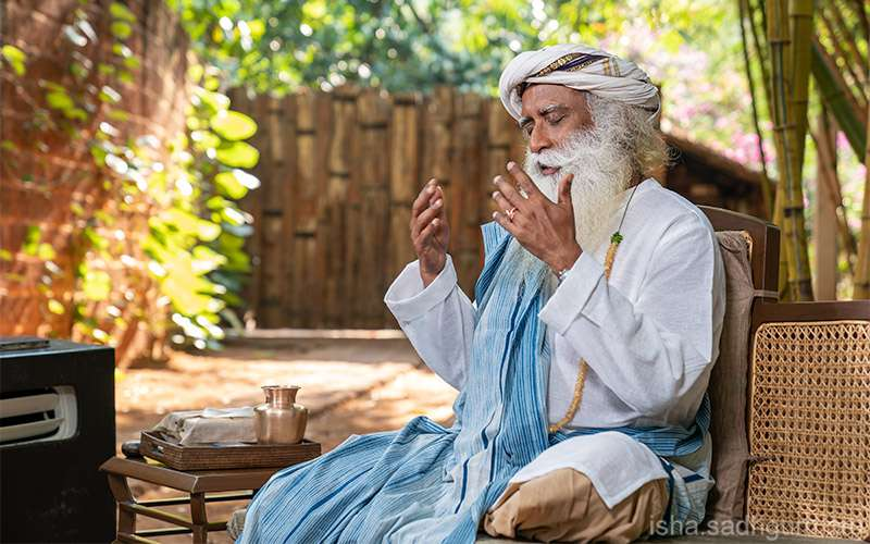 Quotes Inspirational - Sadhguru explains how through Inner Engineering, we can learn to take the same daily actions with different mindsets in order to improve overall wellbeing.