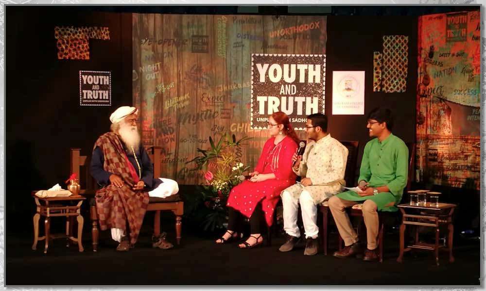 Sadhguru in conversation with students of Shri Ram College of Commerce in Delhi on September 4, 2018 | Youth AND Truth – Kicks-off in Delhi!
