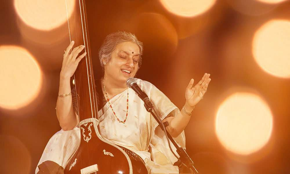 Dr. Ashwini Bhinde, performing at the Yaksha 2014 Music and Dance Festival at the Isha Yoga Center | Activating the Human Body with Music