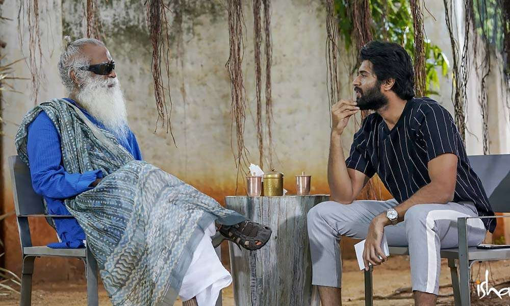 Sadhguru and Vijay Deverakonda have a chat at a roadside tea shop in Nagaram, Telangana | How to Find Happiness?