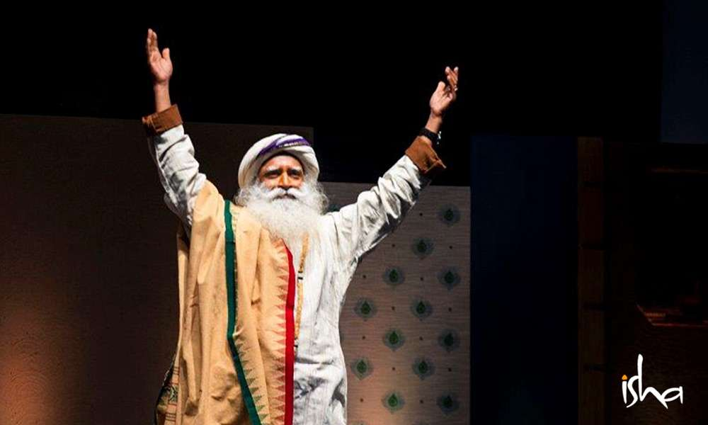 Sadhguru at the Inner Engineering Completion Program in Bengaluru Dec 15-16, 2018 | Unstoppable Ease