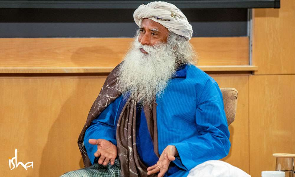 Sadhguru speaking at the Columbia University Business School, Youth and Truth Event | Leadership Starts in the Mind
