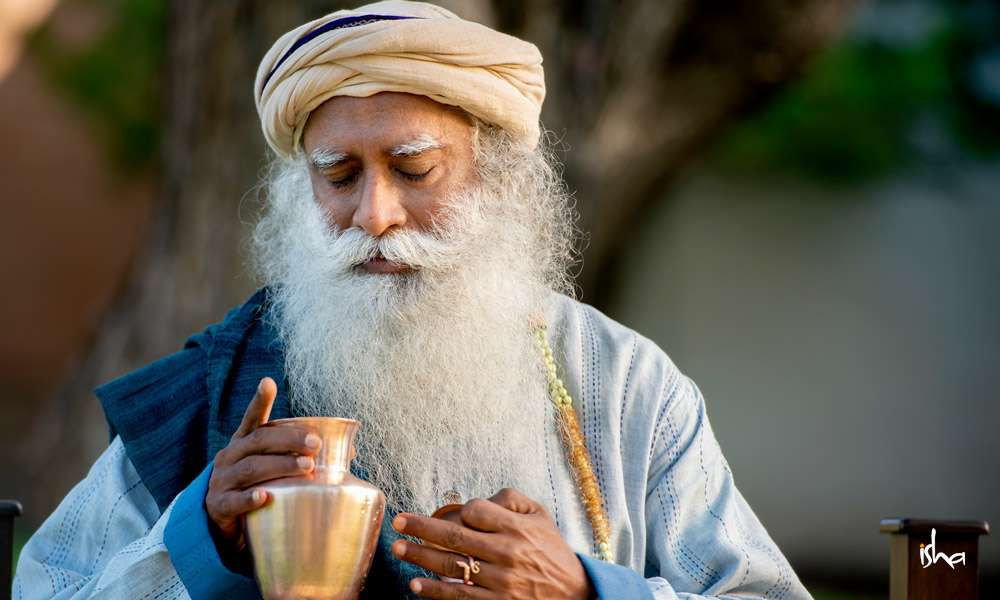 Sadhguru Wisdom Article | How to Store and Drink Water the Right Way