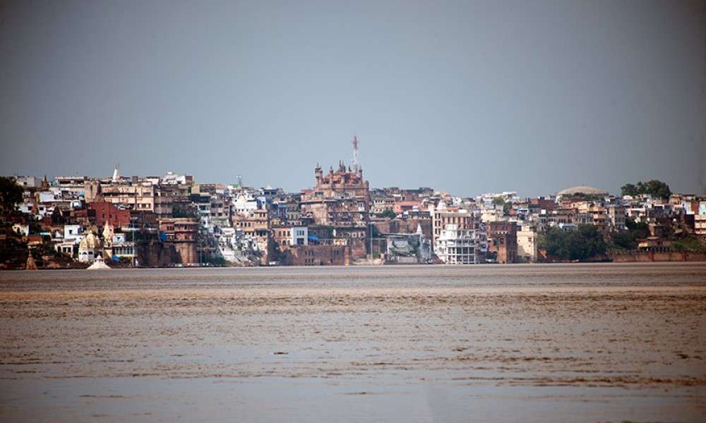 the-hindu-reviews-kashi-the-eternal-city